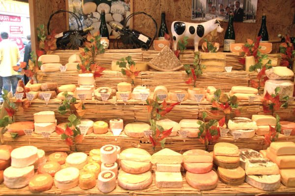 marie-anne-cantin-cheese-store-paris-1
