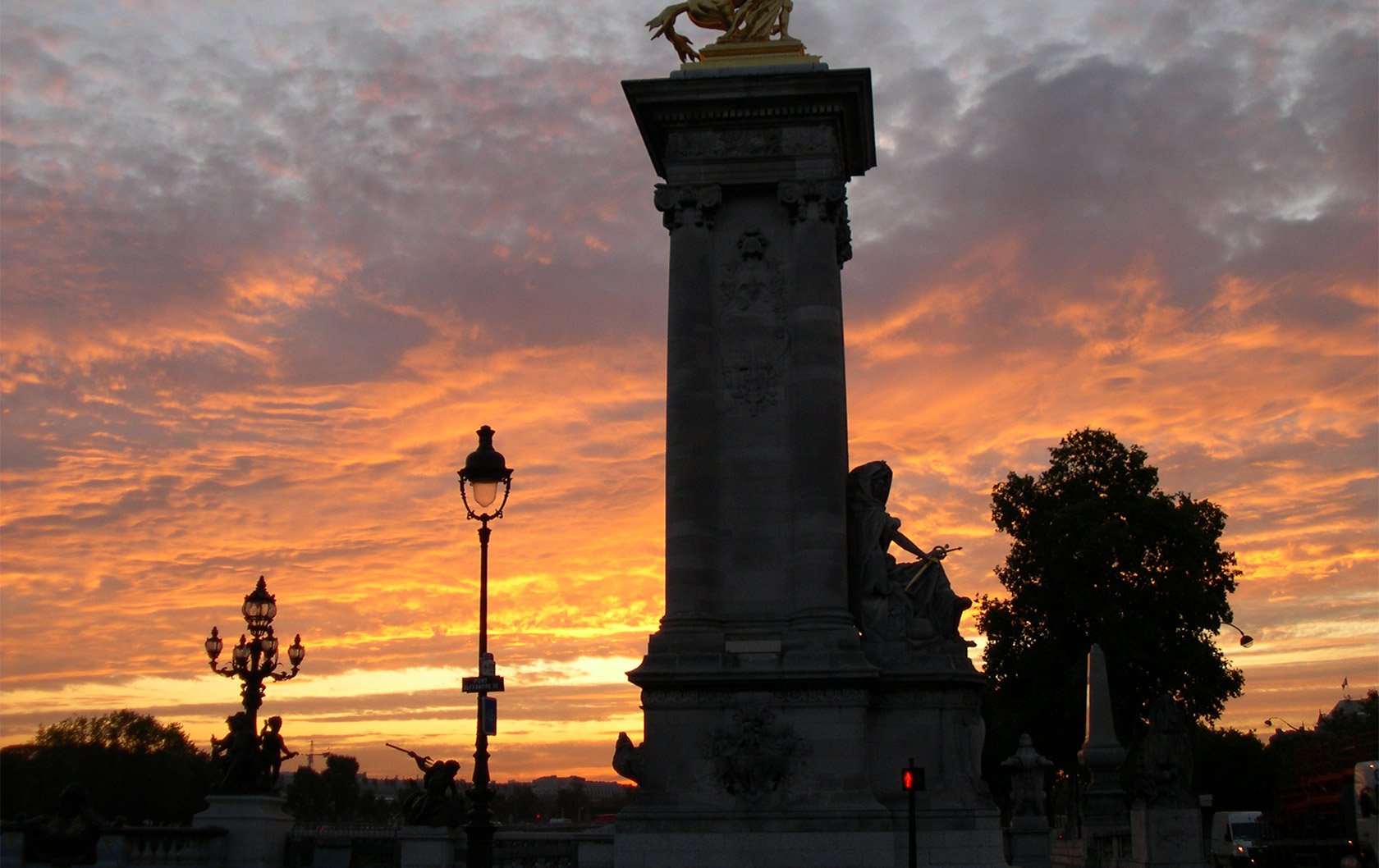 The Bridges of Paris – Spectacular Sunrise Views!