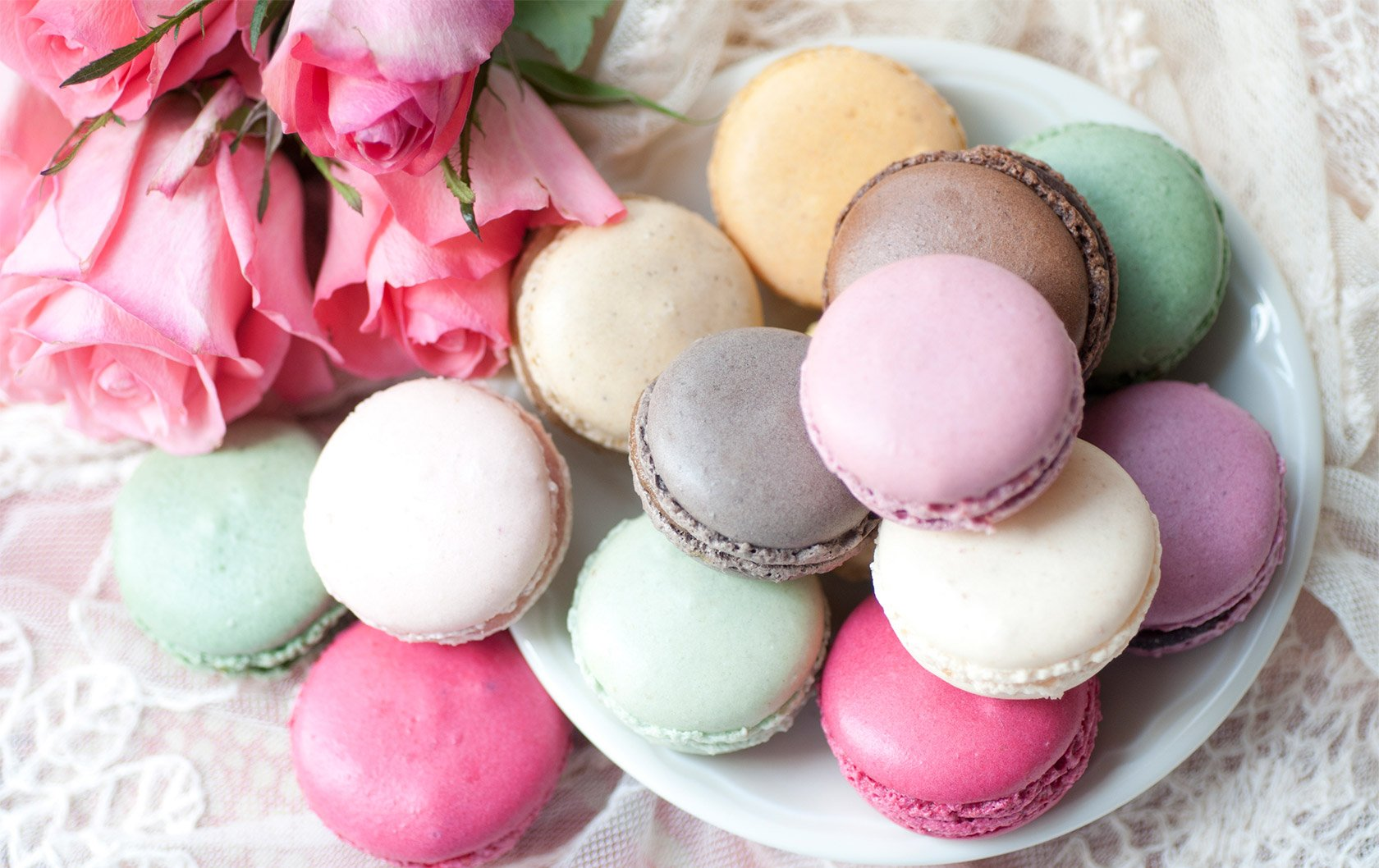macarons-plate-roses