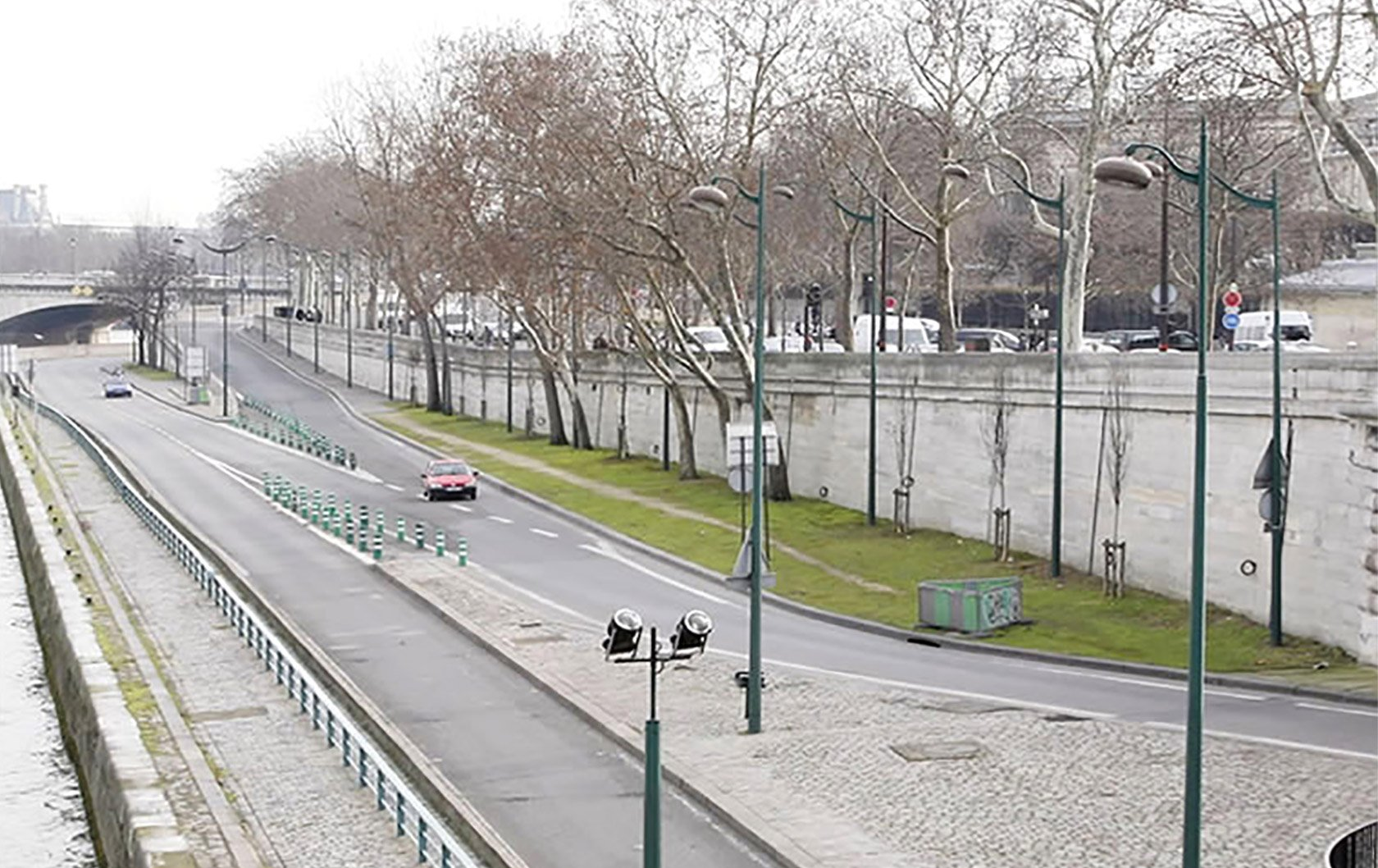 banks-seine-invalides-concorde-river-island-before-near-parisperfect-apartments