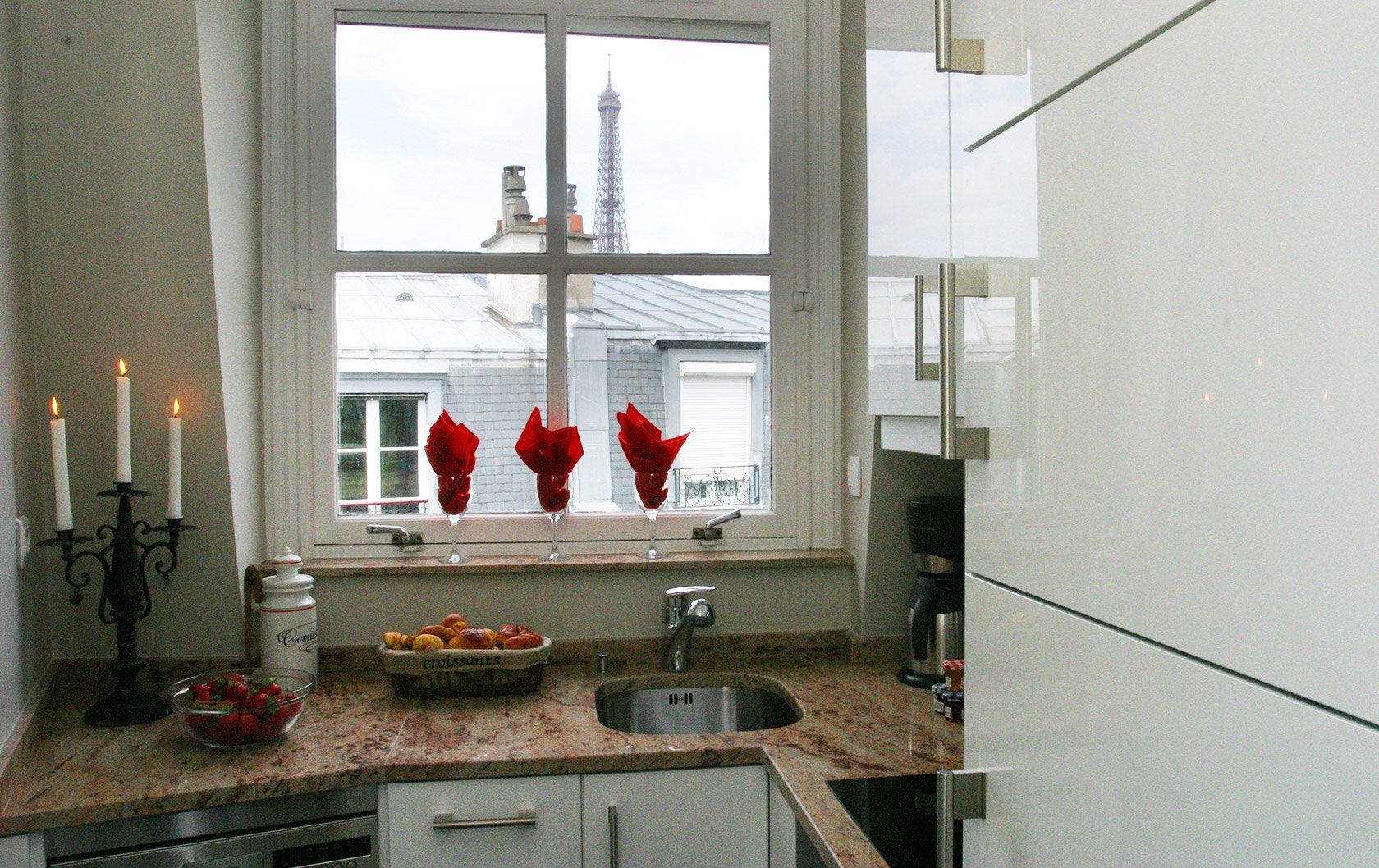 Presenting a new paris apartment the quincy paris perfect for Perfect kitchens quincy