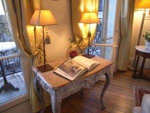 sancerre-apartment-rental-desk-paris