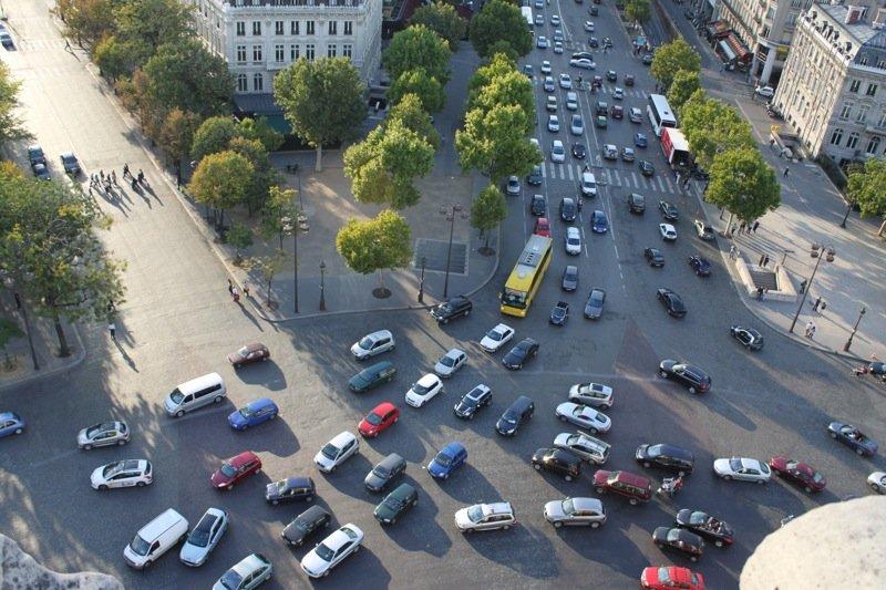 arc de triomphe traffic