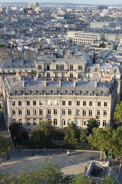 beautiful parisian buildings