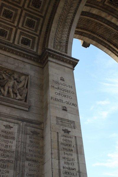arc de triomphe arches
