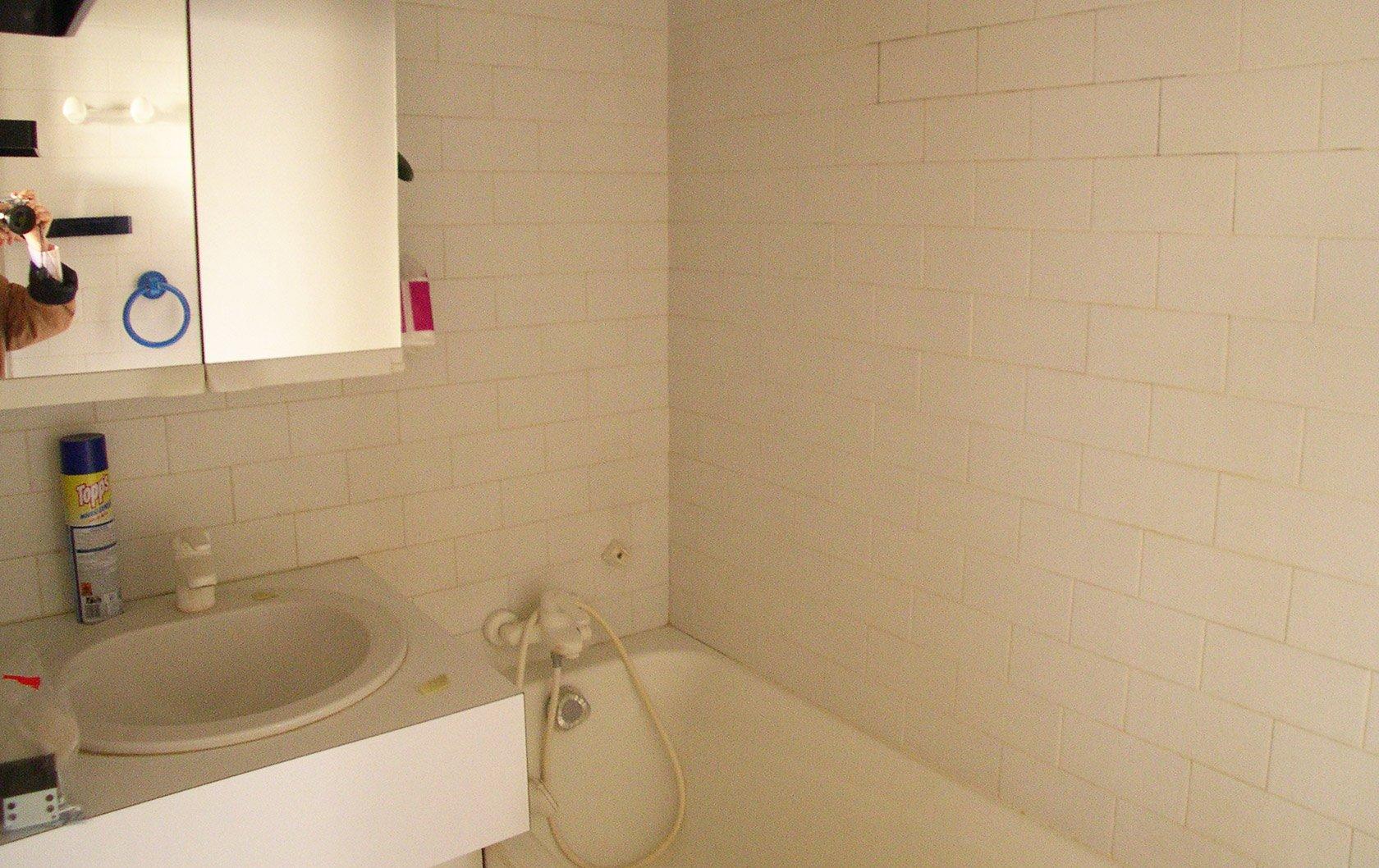 calvados-before-bathroom