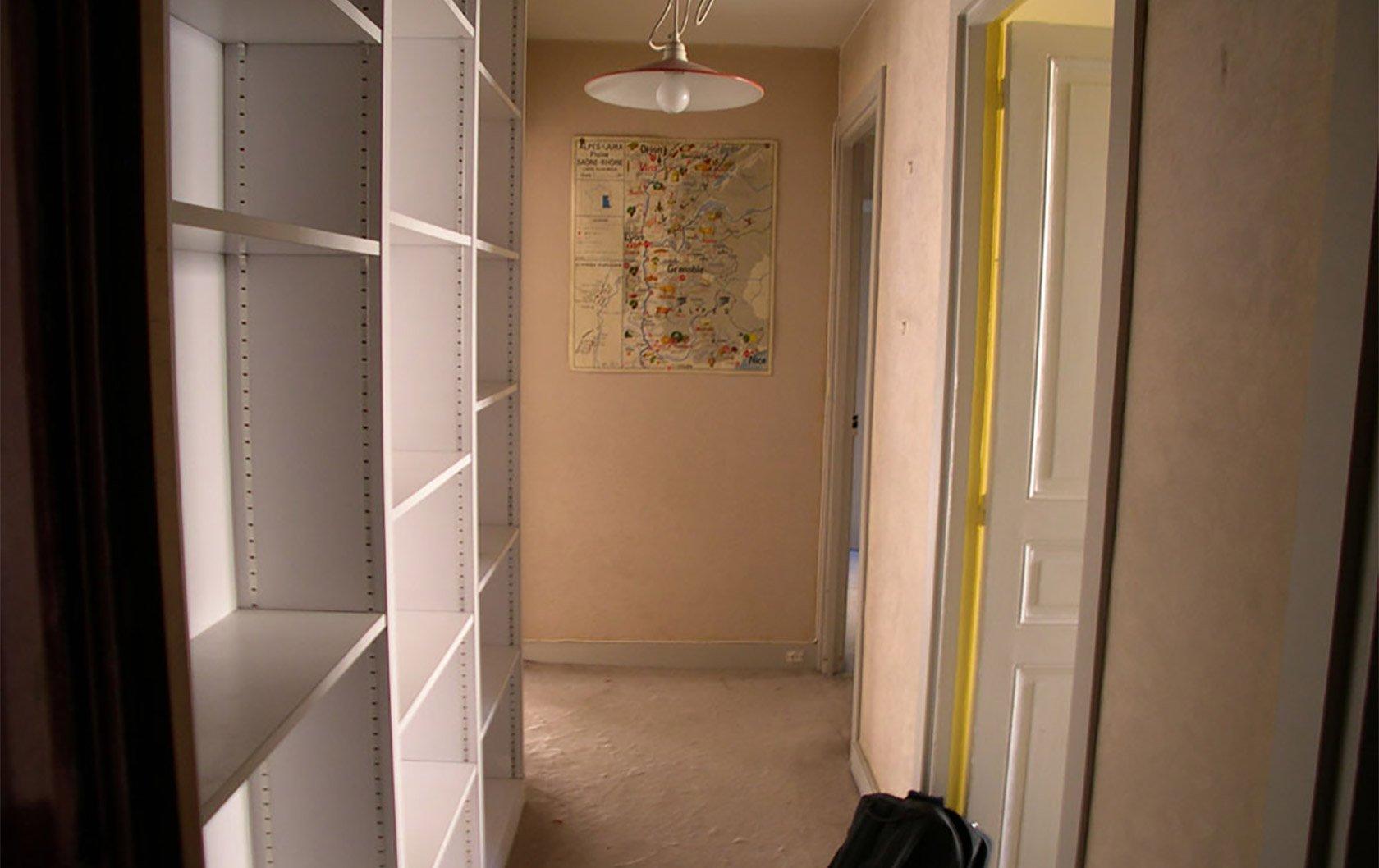 calvados-before-hallway