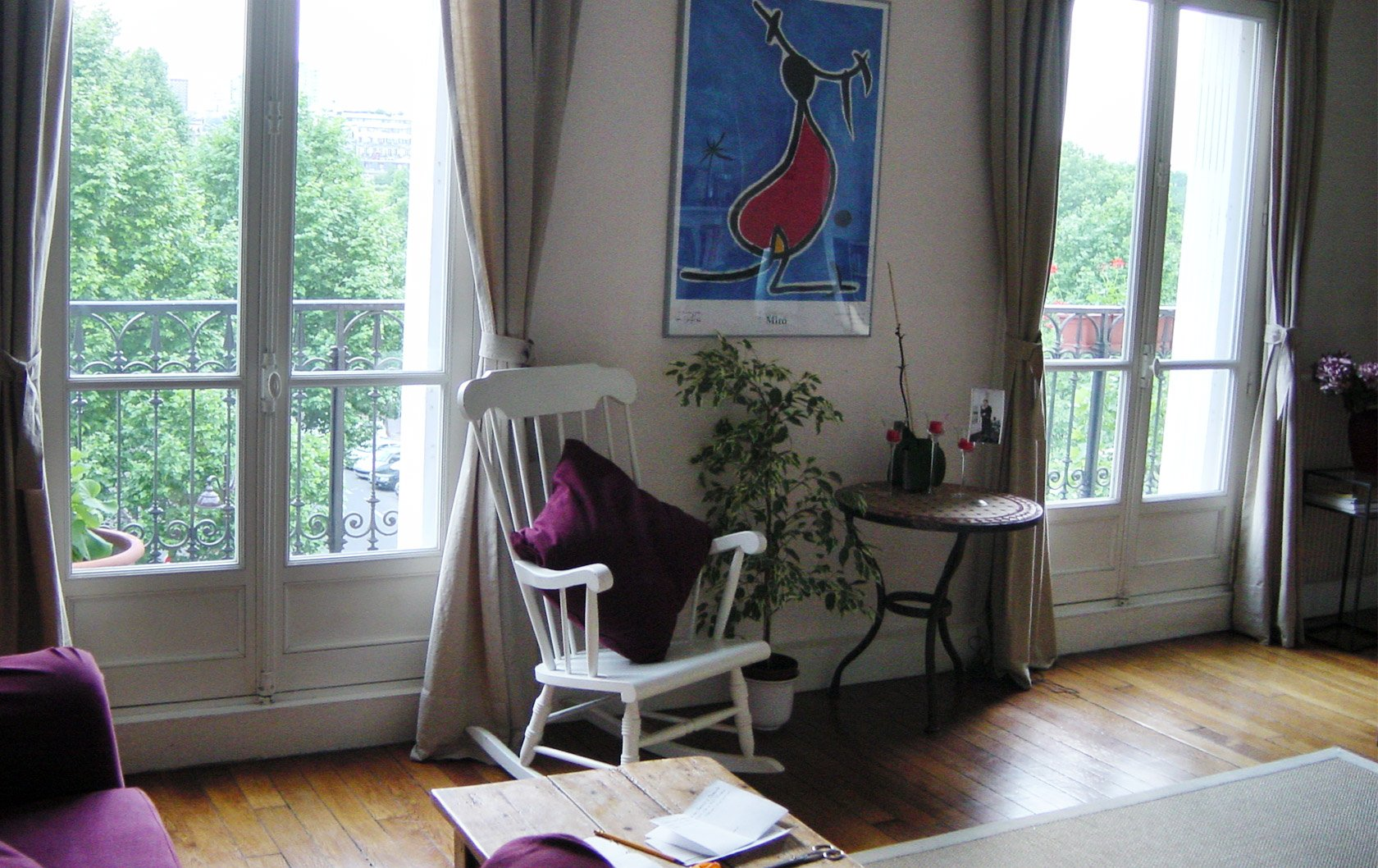 merlot-original-living-room-window