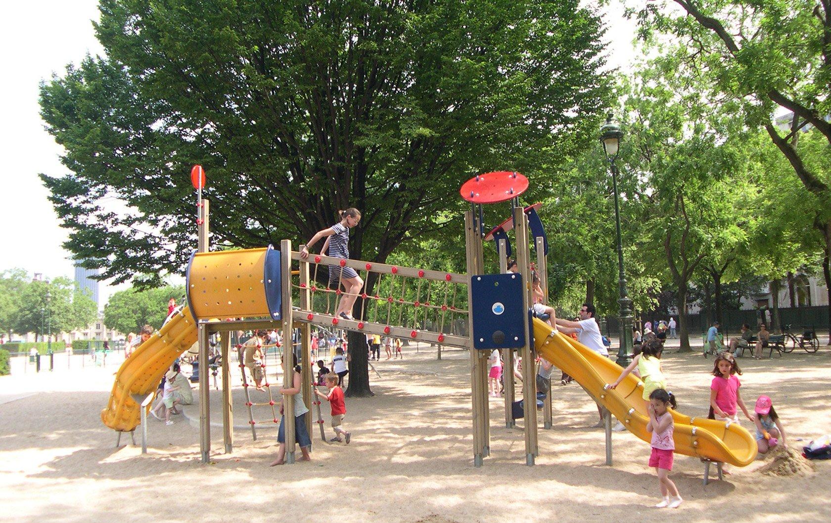 champs-de-mars-playground