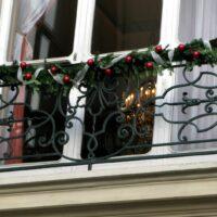 FO-10866632-paris-window-christmas-original
