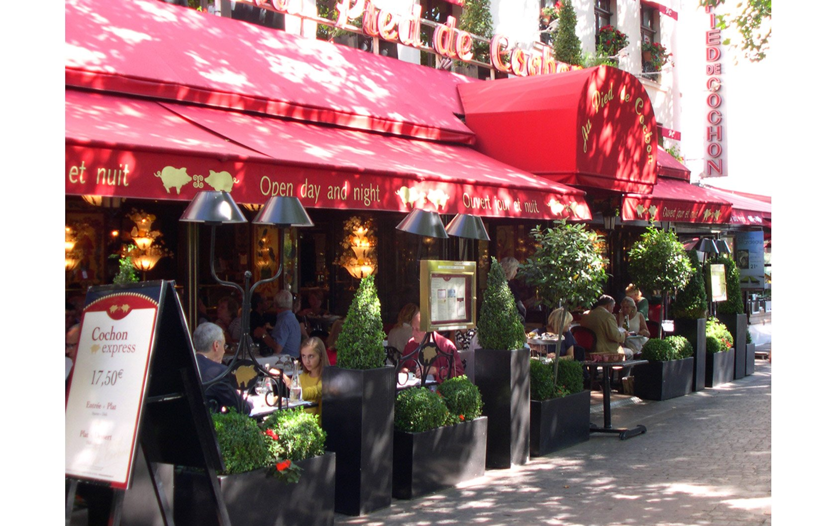 Paris Cafés  — There's Nothing More Parisian!
