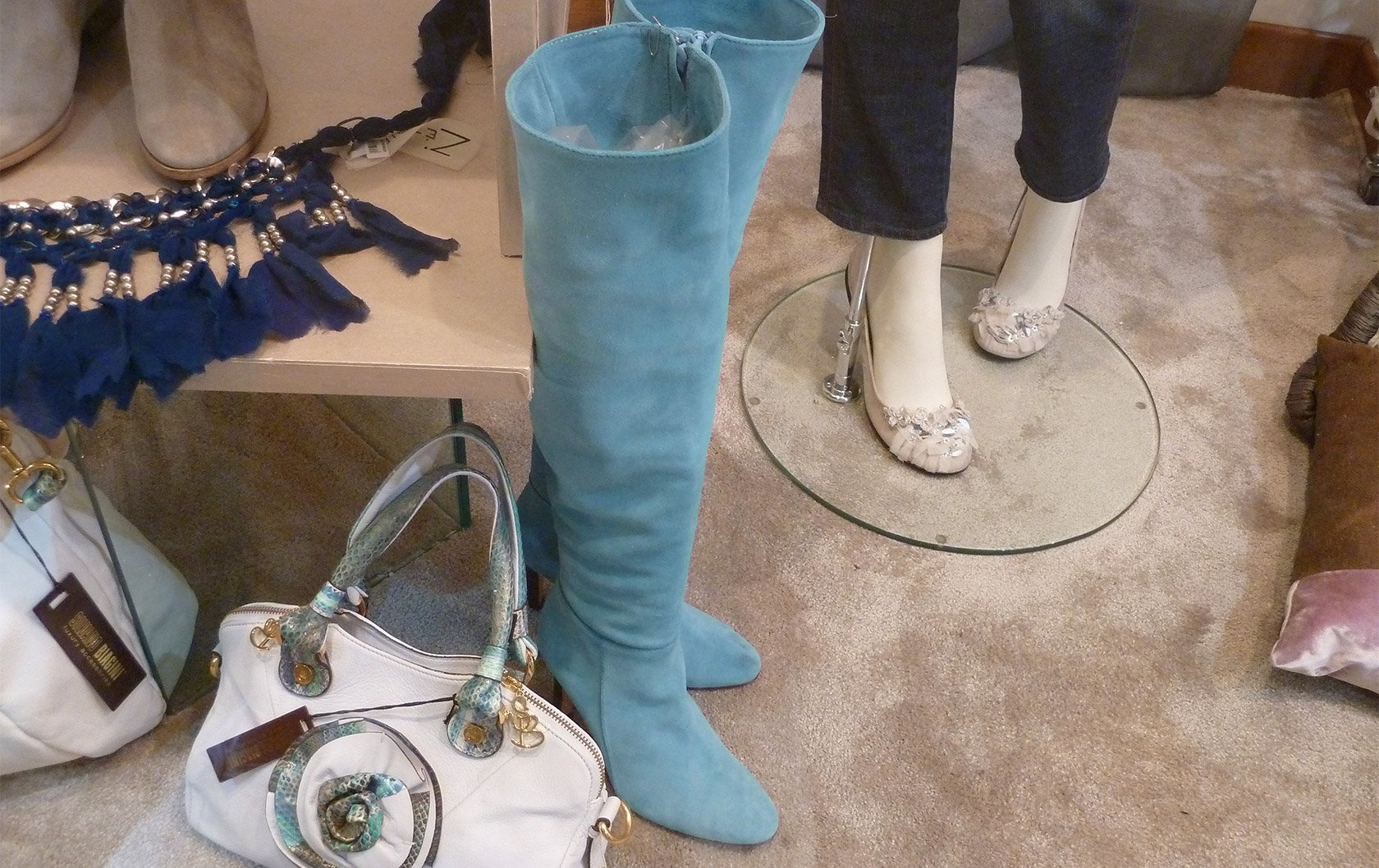 italy-blue-boots