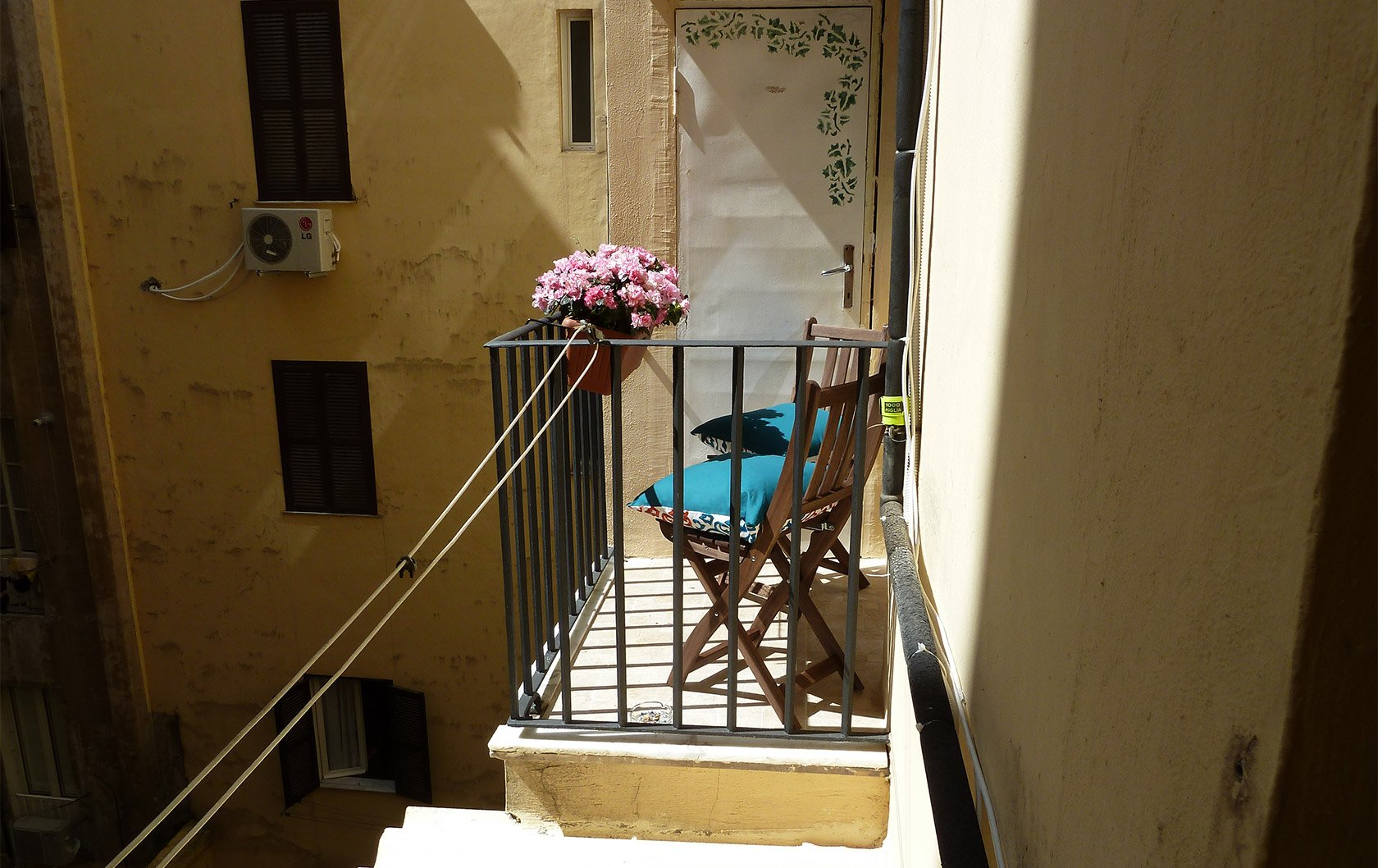 italy-new-balcony