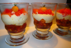 Easy summer salad: Diced summer tomatoes with a mascarpone & basil mousse