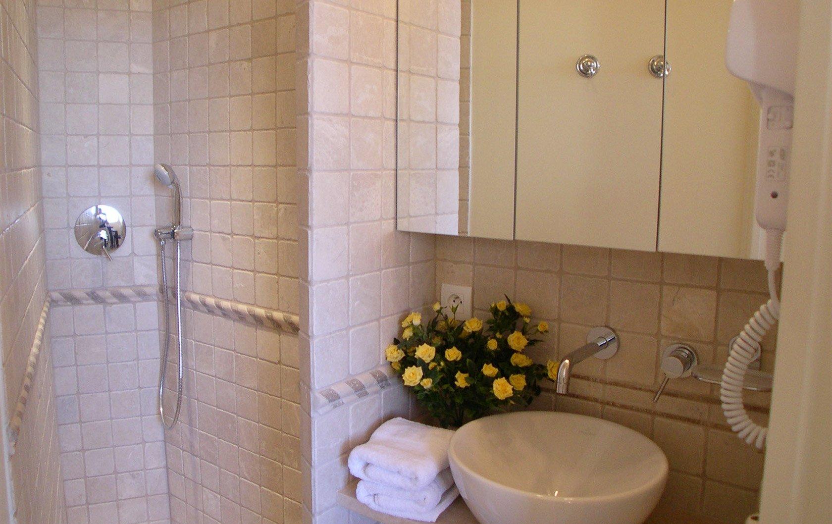 medoc-bathroom