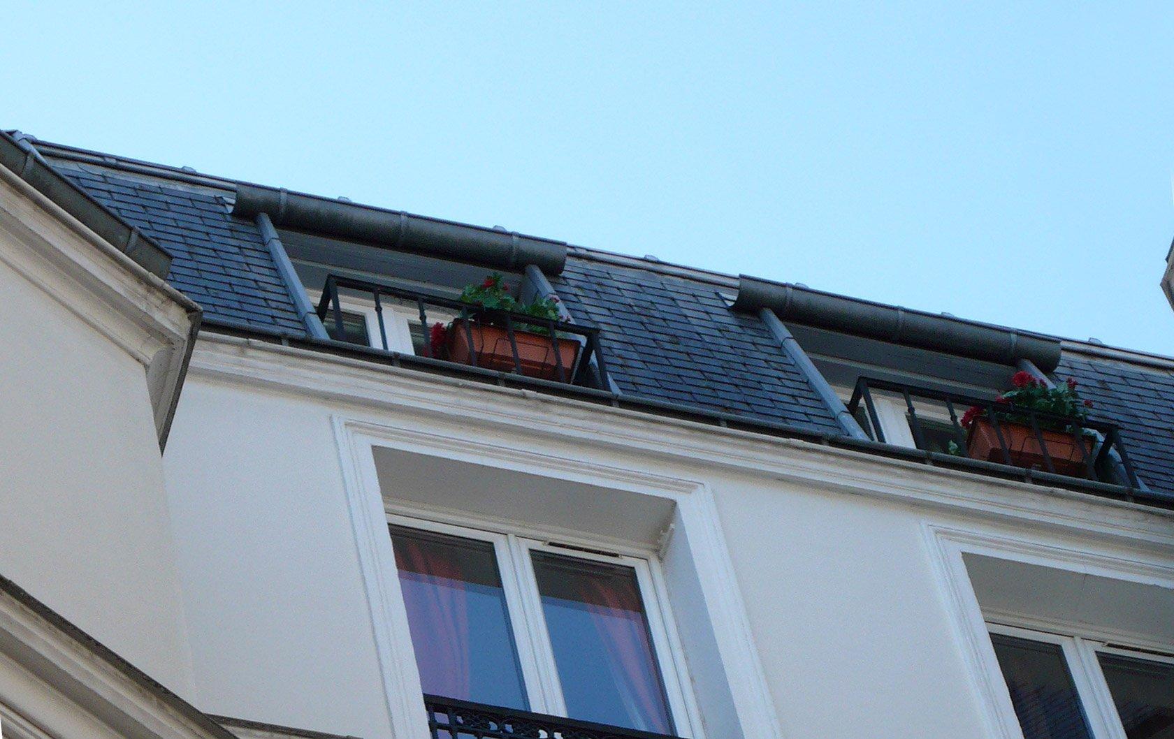medoc-window-exterior