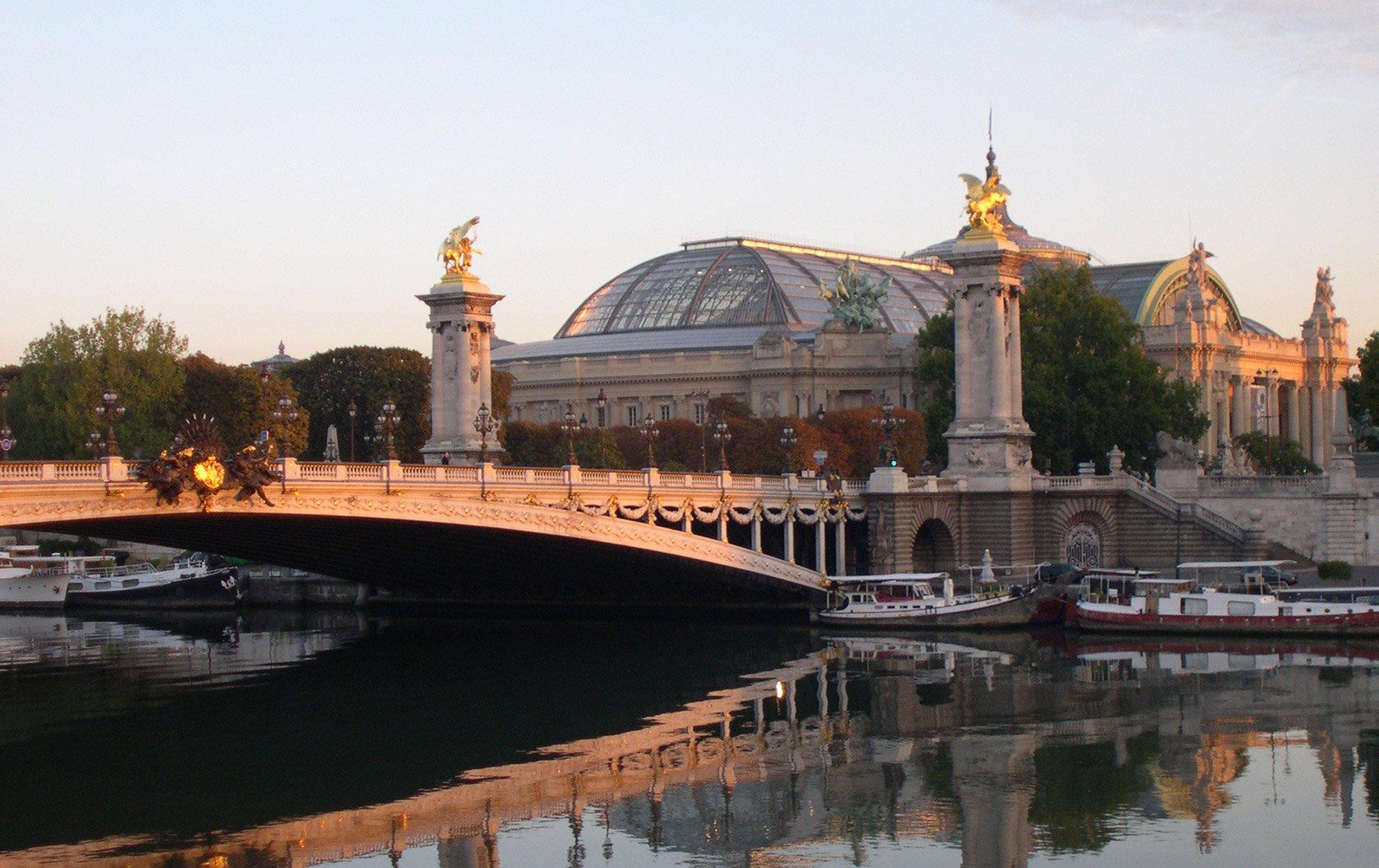 pont-alexandre-iii-seine-paris-sunset-grand-palais