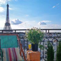 chateau-latour-balcony-day