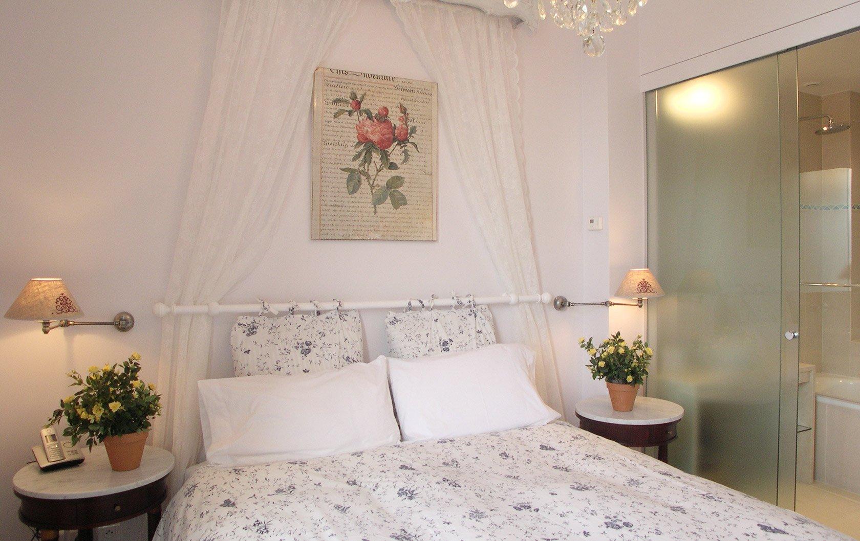 chateau-latour-master-bed