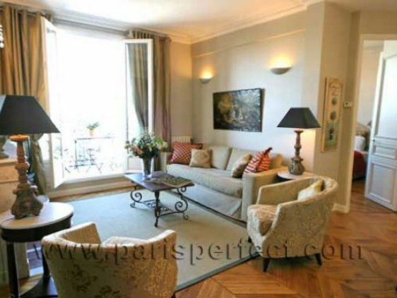 why is the chateau latour apartment in paris better than