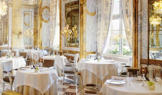 Restaurants Open in Paris for Christmas and New Year Dining
