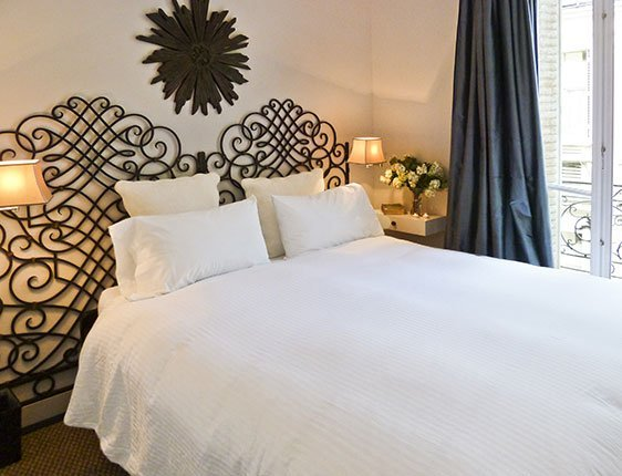 Romantic second bedroom in Paris vacation rental