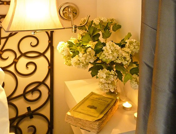 Romantic Paris vacation apartment near Eiffel Tower