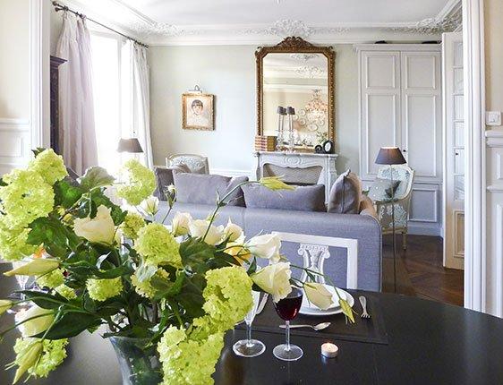 Paris Living Room 2 bedroom apartment rental