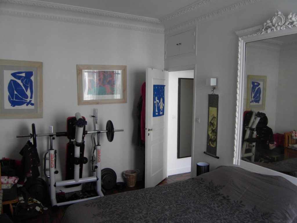 Paris bedroom before rennovation