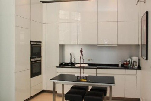 Paris Perfect Vacation Rental in 1st Arrondissement Modern Kitchen