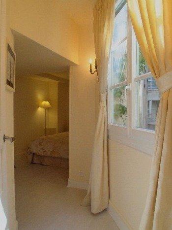 Paris Perfect Vacation Rental in 1st Arrondissement 3 bedroom