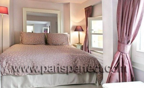 Paris Perfect Vacation Rental in 1st Arrondissement Three Bedroom