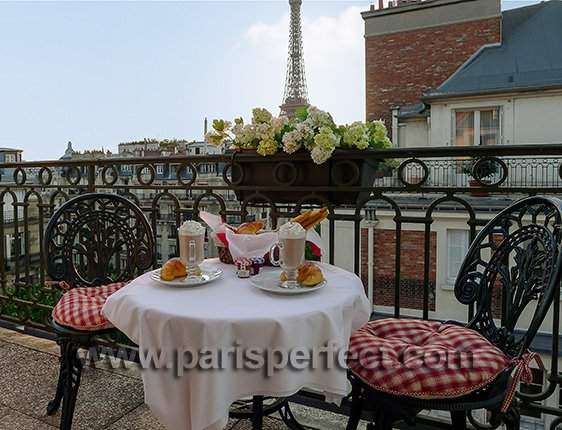 Breakfast in Paris Vacation Rental with Eiffel Tower View