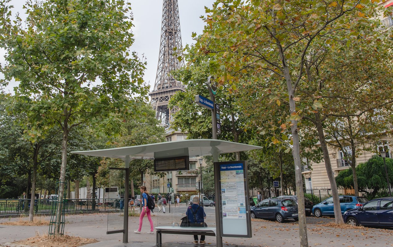 Sightseeing in Paris on the 42 City Bus