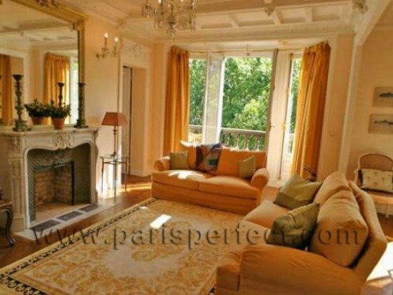 Paris Apartment for Sale near Seine in 7th arrondissement