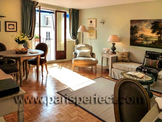 Paris vacation rental in 7th arrondissement with Eiffel Tower View