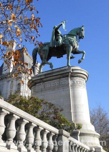 Autumn in Paris Hotel de Ville