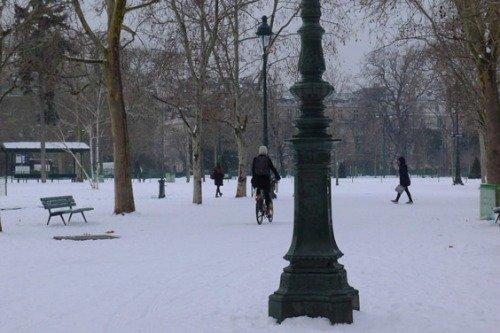 Winter bike in Paris