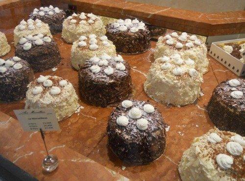 Aux Merveilleux de Fred – Marvelous Cakes in Paris!