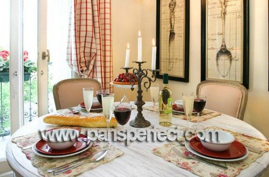Paris apartment for sale dining area with balcony
