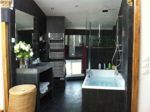 Paris Perfect Montmartre Vacation Rental Master Bathroom