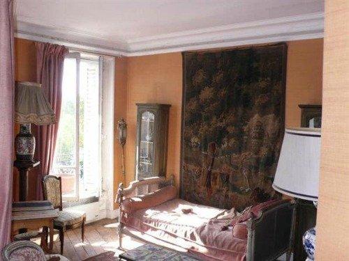 Paris Apartment Living Room to Remodel2