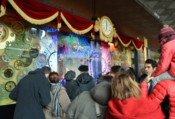 Galeries Lafayette Christmas Windows Crowds