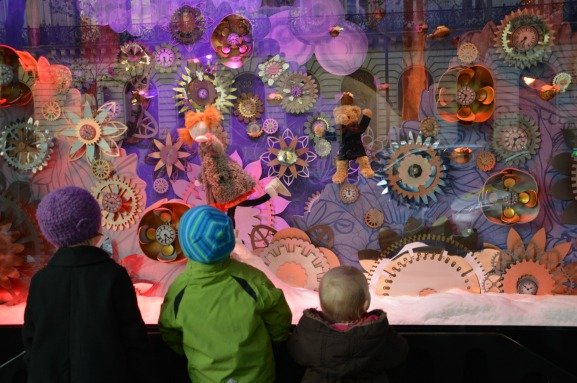 Galeries Lafayette Christmas Windows With Children