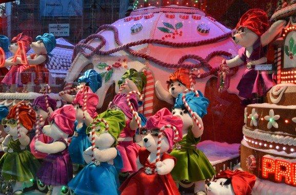 Printemps Christmas Windows Dancing Bears