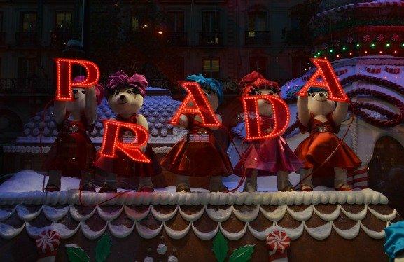 Printemps Christmas Windows Prada Bears with Sign