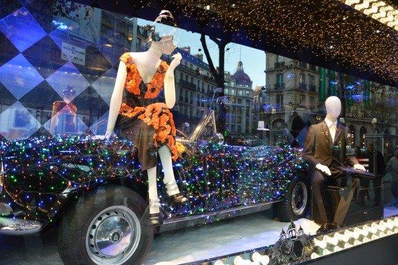 Printemps Christmas Windows Prada Car