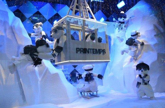 Printemps Prada Christmas Windows Snow Bears