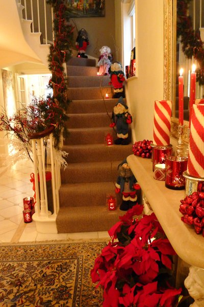s house looks like christmas