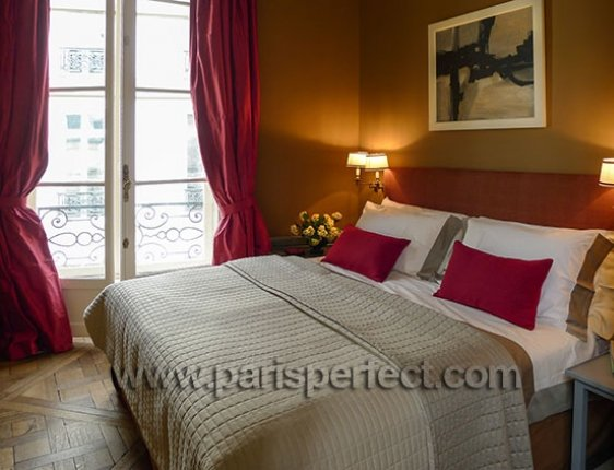 Charente Bedroom with King Size Bed